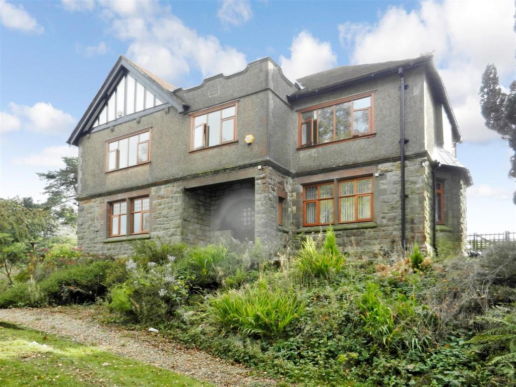 5 Bedrooms Detached House for sale in Bwlchgwyn