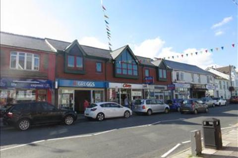 Office to rent - First Floor, 124-128 High Street, Blackwood, NP12
