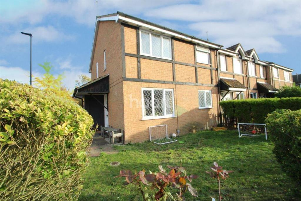 1 Bedroom Semi Detached House for sale in Briarwood close