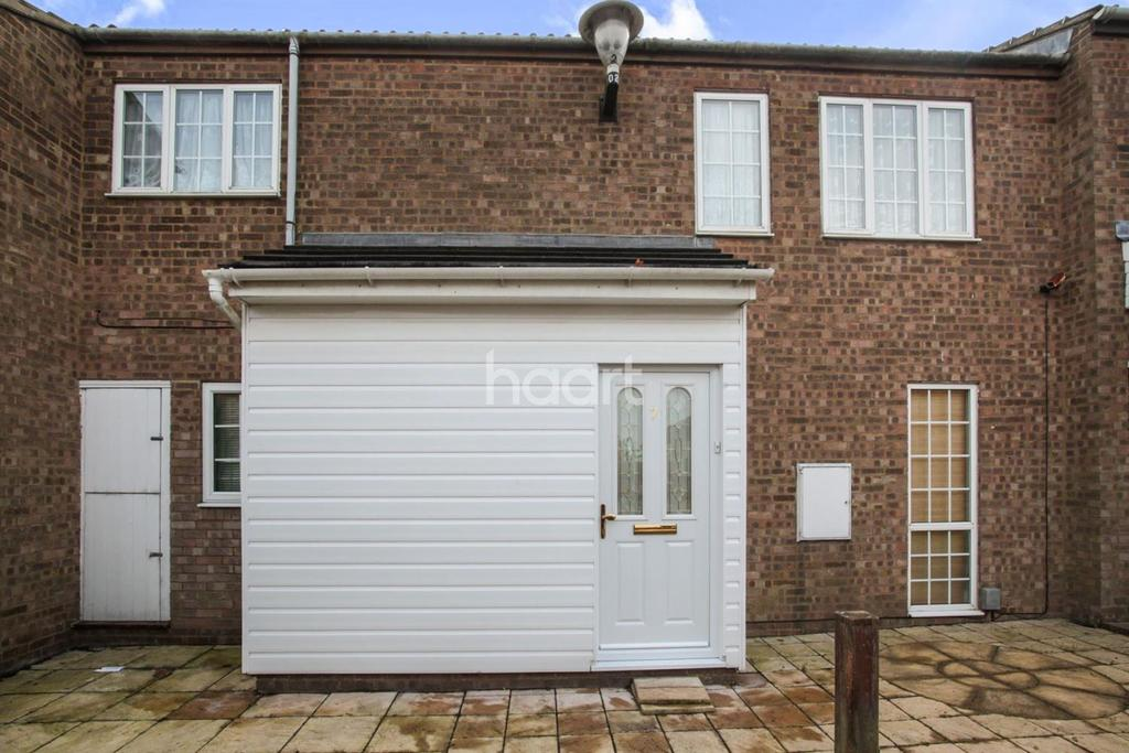 3 Bedrooms Terraced House for sale in petersfield gardens