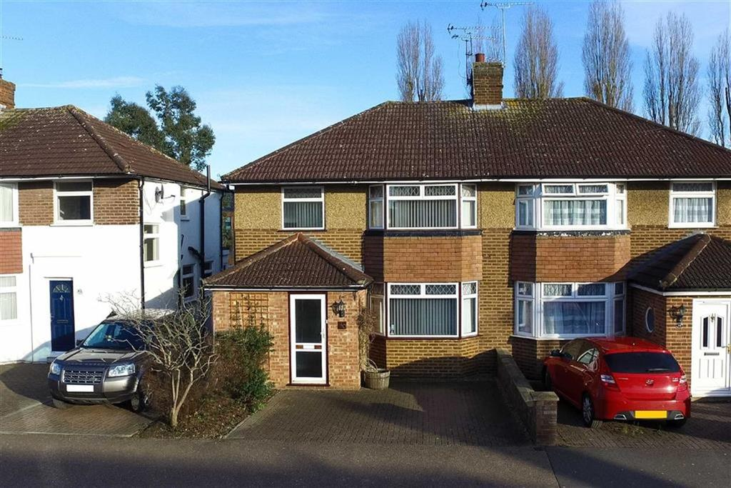 4 Bedrooms Semi Detached House for sale in Oakwood Drive, St Albans, Hertfordshire