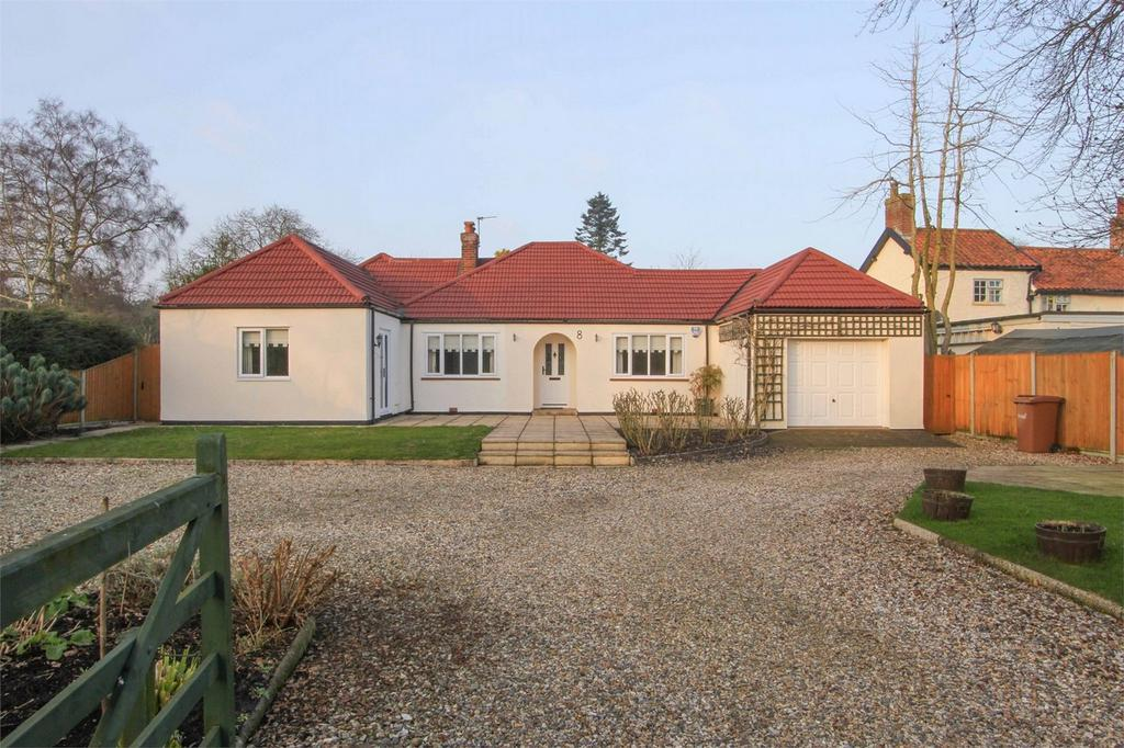 4 Bedrooms Detached Bungalow for sale in Mill Corner, Hingham, Norfolk