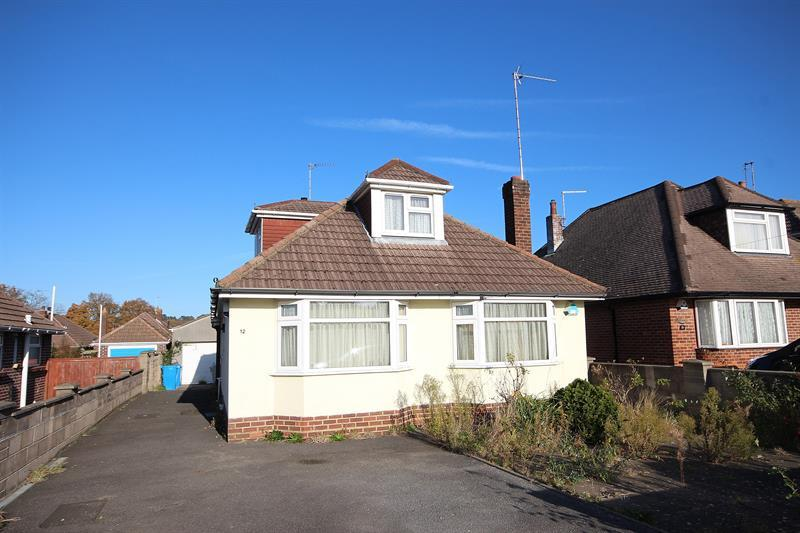 3 Bedrooms Detached Bungalow for sale in Apsley Crescent, Poole