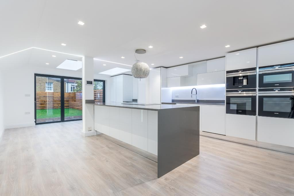 5 Bedrooms Terraced House for sale in Crystal Palace Road East Dulwich SE22