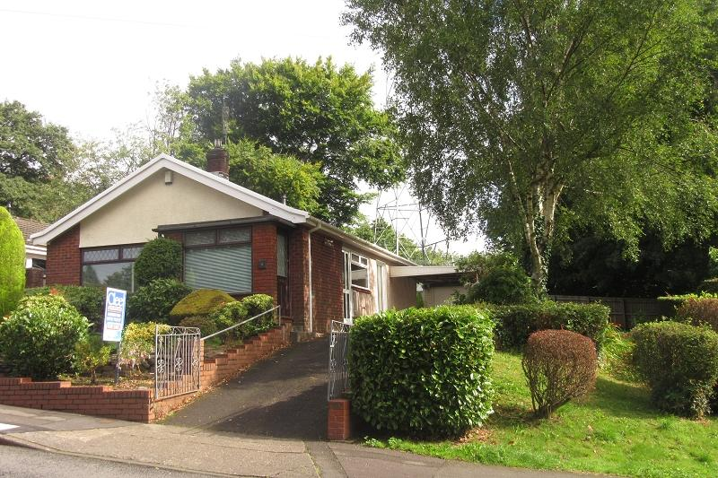 3 Bedrooms Detached Bungalow for sale in Butterslade Grove, Ynysforgan, Swansea.