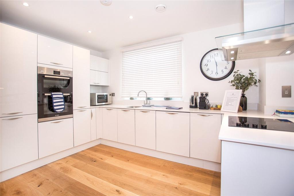 2 Bedrooms Flat for sale in 403 Alexandra Wharf, 1 Maritime Walk, Ocean Vil, Southampton, SO14