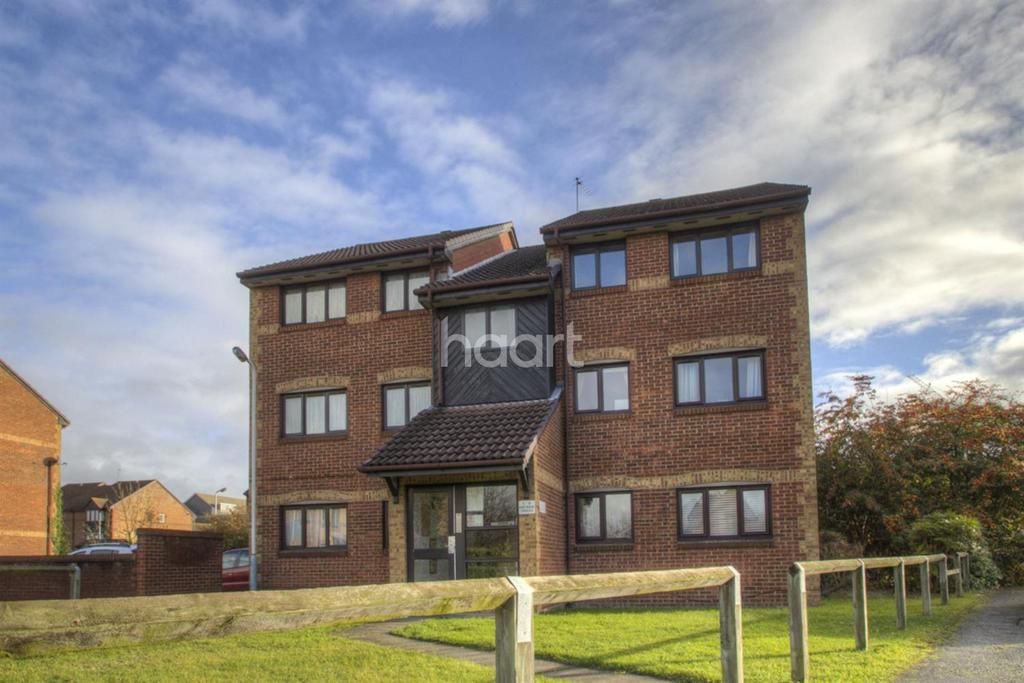 2 Bedrooms Flat for sale in Hawthorne Crescent, West drayton
