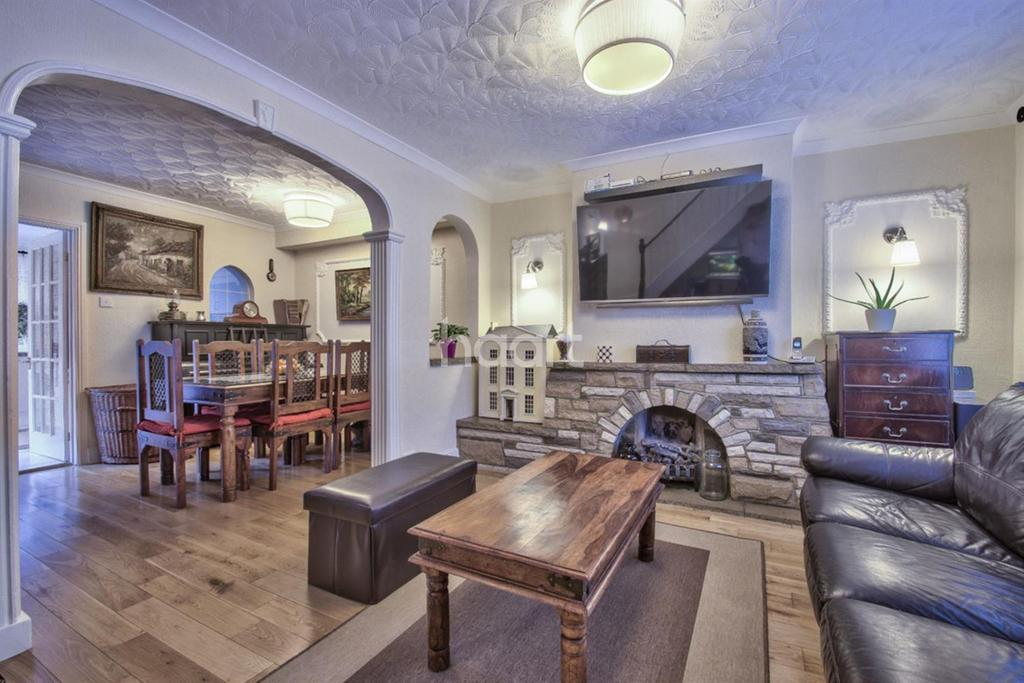 4 Bedrooms Terraced House for sale in Pitfield Way, London