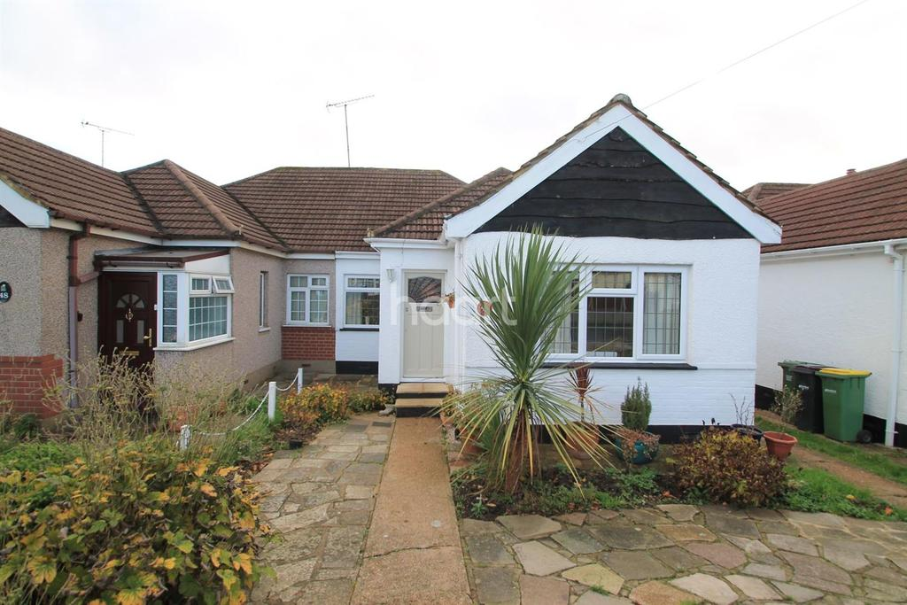 2 Bedrooms Bungalow for sale in Hilary Crescent, Rayleigh