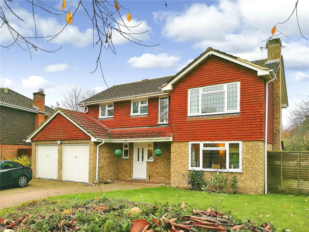 4 Bedrooms Detached House for sale in Warbleton Road, Chineham, Basingstoke, RG24