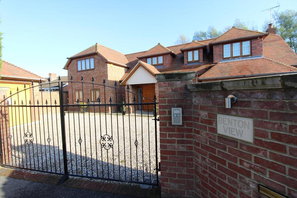 5 Bedrooms Detached House for sale in Maldon Road, Witham, Essex, CM8