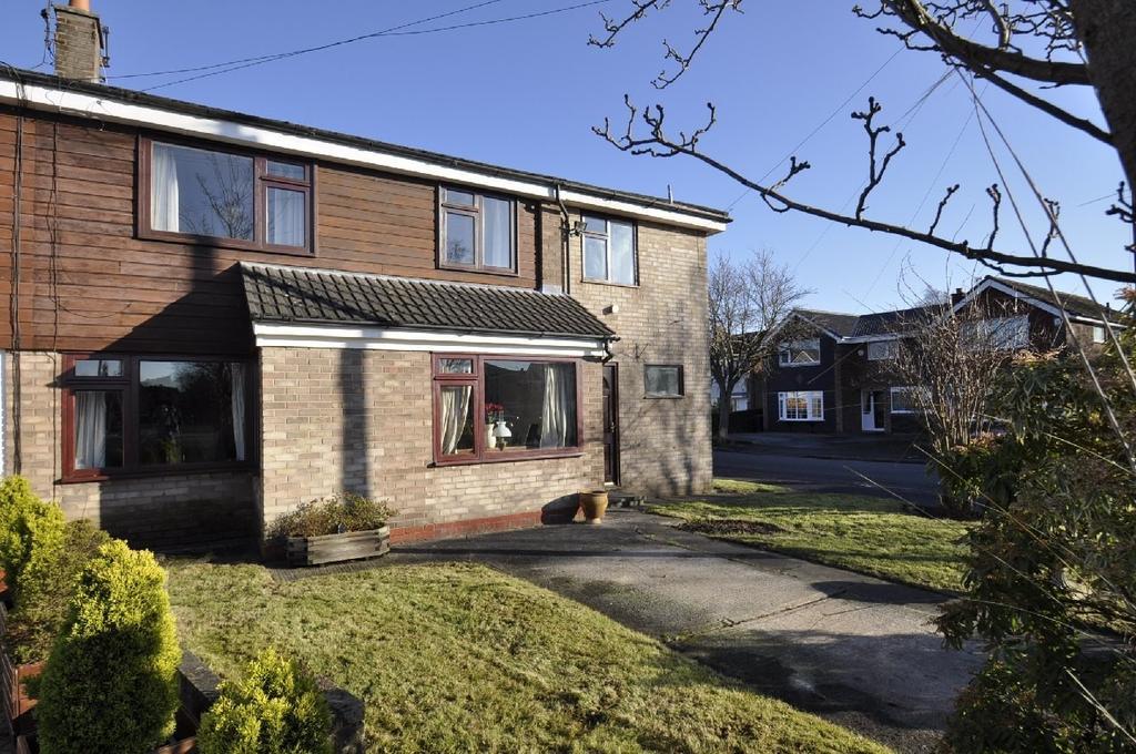 3 Bedrooms Semi Detached House for sale in Glastonbury Avenue, Cheadle Hulme