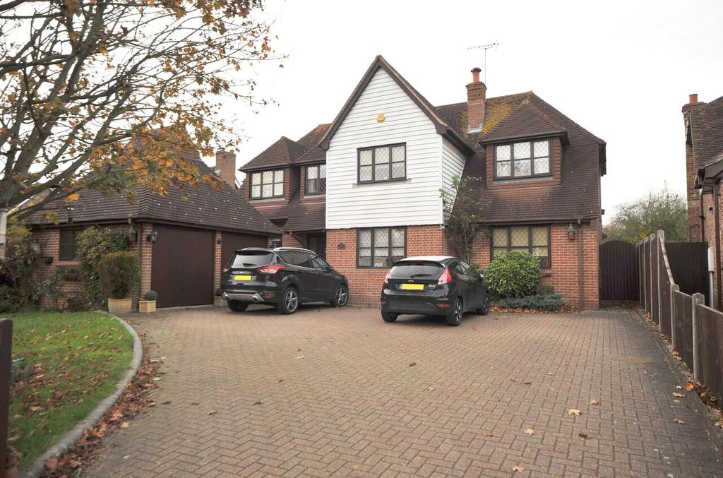 4 Bedrooms Detached House for sale in Roman Road, Ingatestone, Essex, CM4