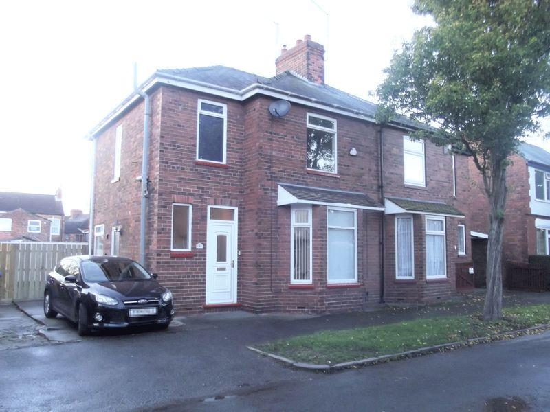3 Bedrooms Semi Detached House for sale in Unity Avenue, Hessle