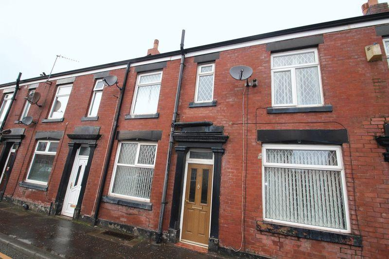 2 Bedrooms Terraced House for sale in Entwistle Road, Rochdale OL16 2JJ
