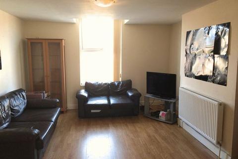 2 bedroom flat to rent - 2 Bedroom student flat on Salisbury Road L15 **Half summer rent**