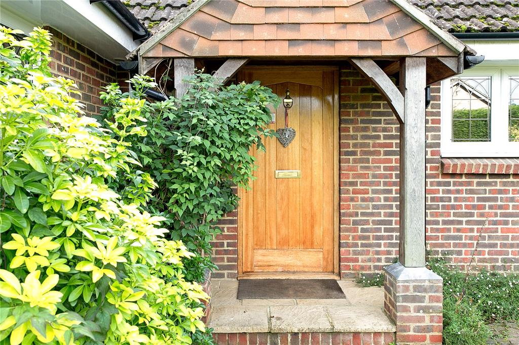 4 Bedrooms Detached House for sale in Oaklands Drive, Ascot, Berkshire, SL5