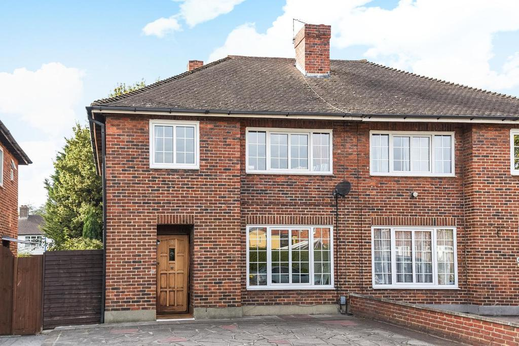 3 Bedrooms Semi Detached House for sale in Osborne Close, Beckenham, BR3