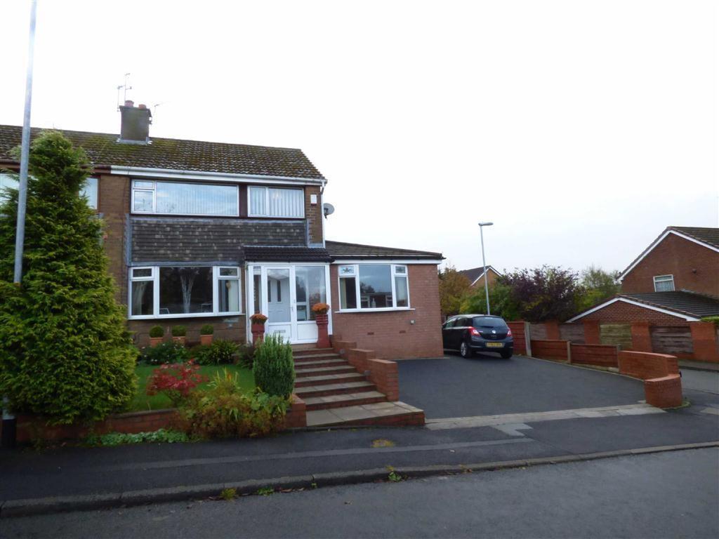 4 Bedrooms Semi Detached House for sale in Linkside Avenue, Royton, Oldham, OL2