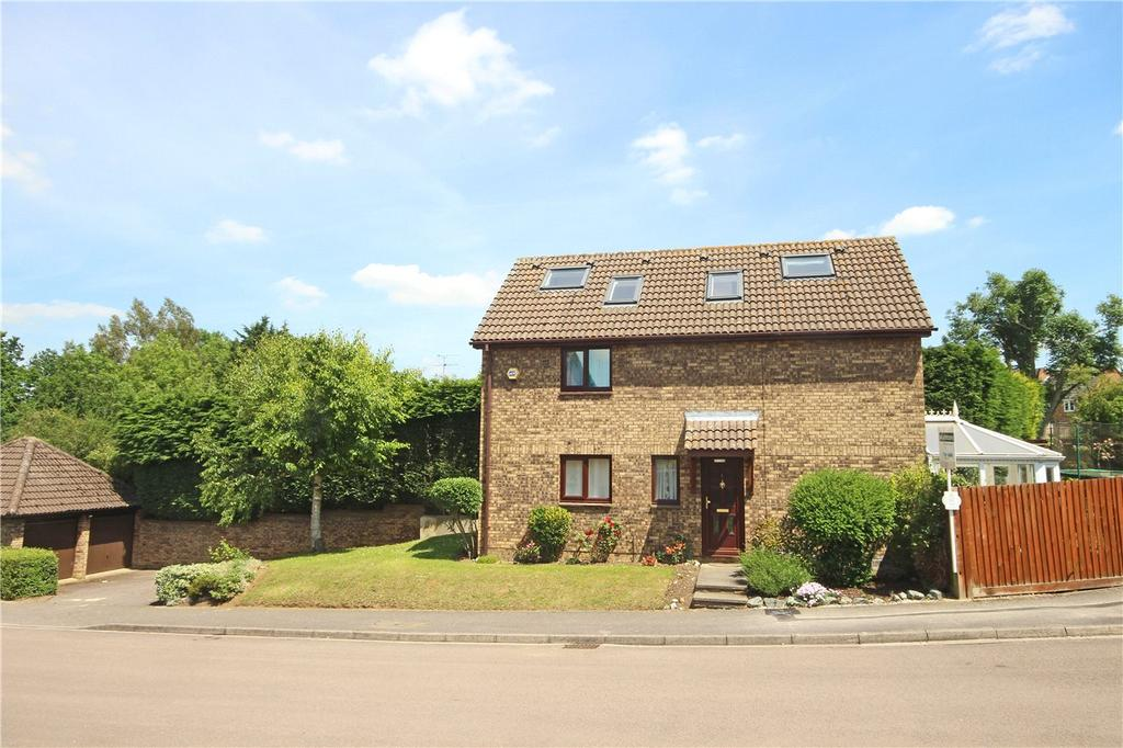 6 Bedrooms Detached House for sale in Holly Farm Close, Caddington, Bedfordshire
