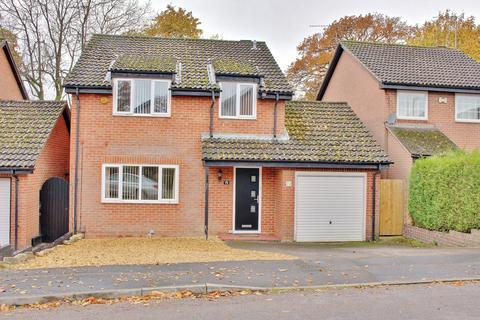 4 bedroom detached house for sale - ROWNHAMS