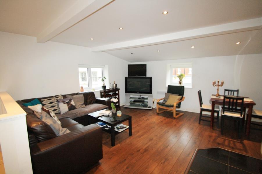 2 Bedrooms Semi Detached House for sale in 7, 27 CLARENDON ROAD, LEEDS, LS2 9NZ