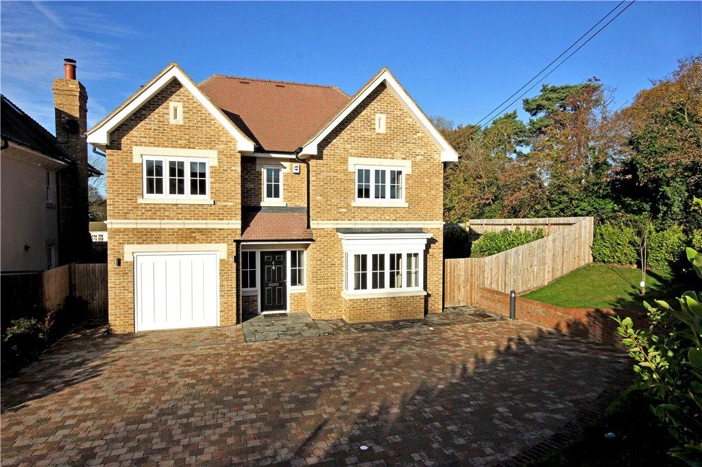 5 Bedrooms Detached House for sale in Eaton Place, Beaconsfield, HP9