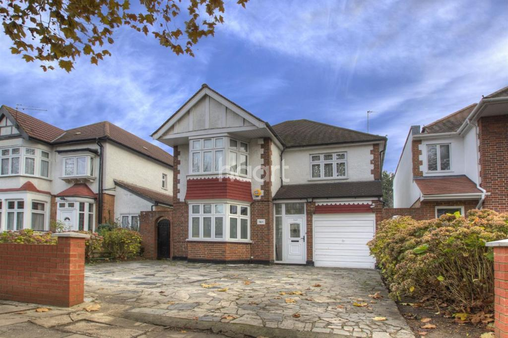 3 Bedrooms Detached House for sale in Harrowdene Road, Wembley