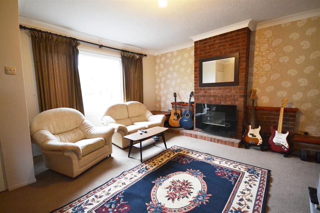 3 Bedrooms Terraced House for sale in Kilgetty
