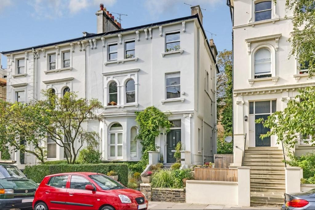 3 Bedrooms Flat for sale in Priory Terrace, South Hampstead, NW6