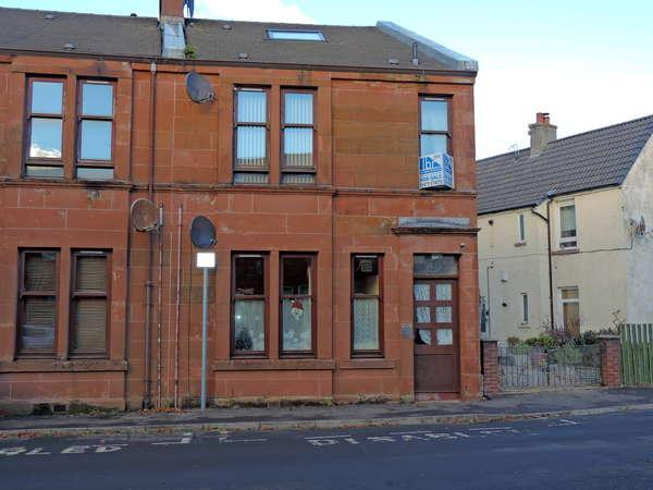 2 Bedrooms Duplex Flat for sale in 47 Seamore Street, Largs, KA30 9AN