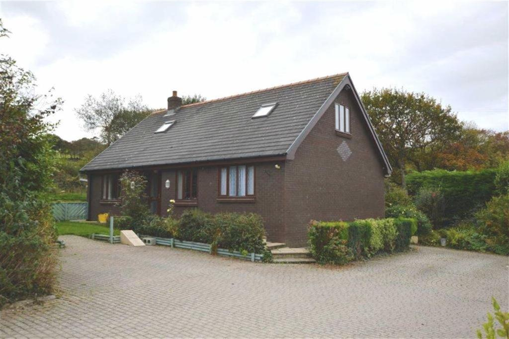 4 Bedrooms Detached Bungalow for sale in Uwch Y Nant, Borth, Ceredigion, SY24