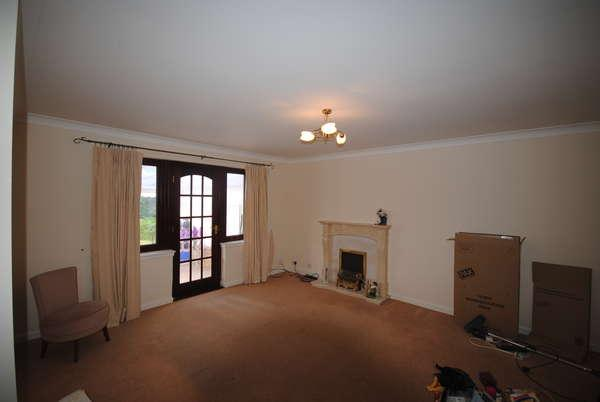 3 Bedrooms Detached Bungalow for sale in 18 Milton Crescent, Troon, KA10 7LS