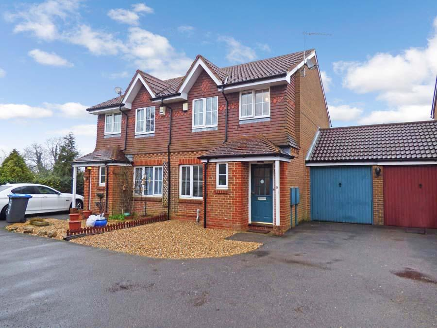 3 Bedrooms House for sale in Pepper Drive, Burgess Hill, RH15