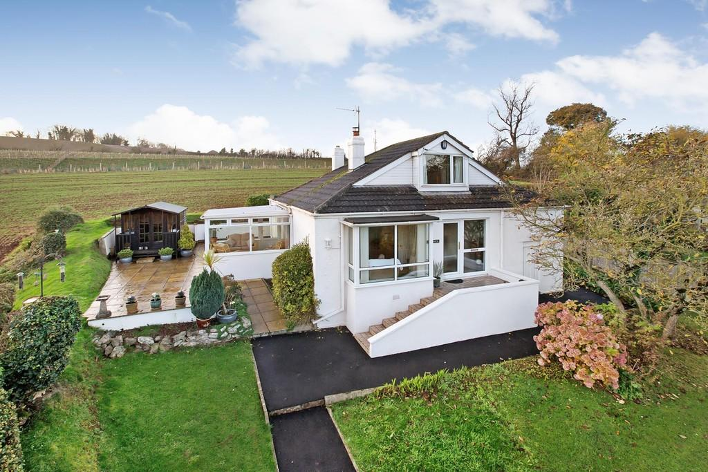 3 Bedrooms Detached Bungalow for sale in Old Newton Road, Kingskerswell