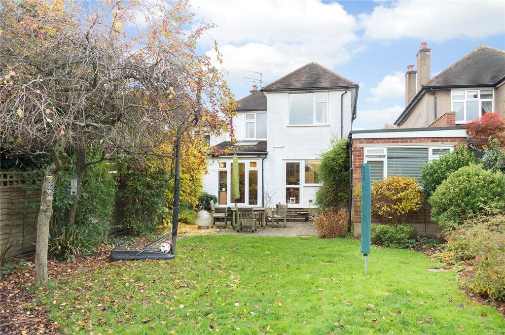 4 Bedrooms Detached House for sale in Charmouth Road, St. Albans, Hertfordshire