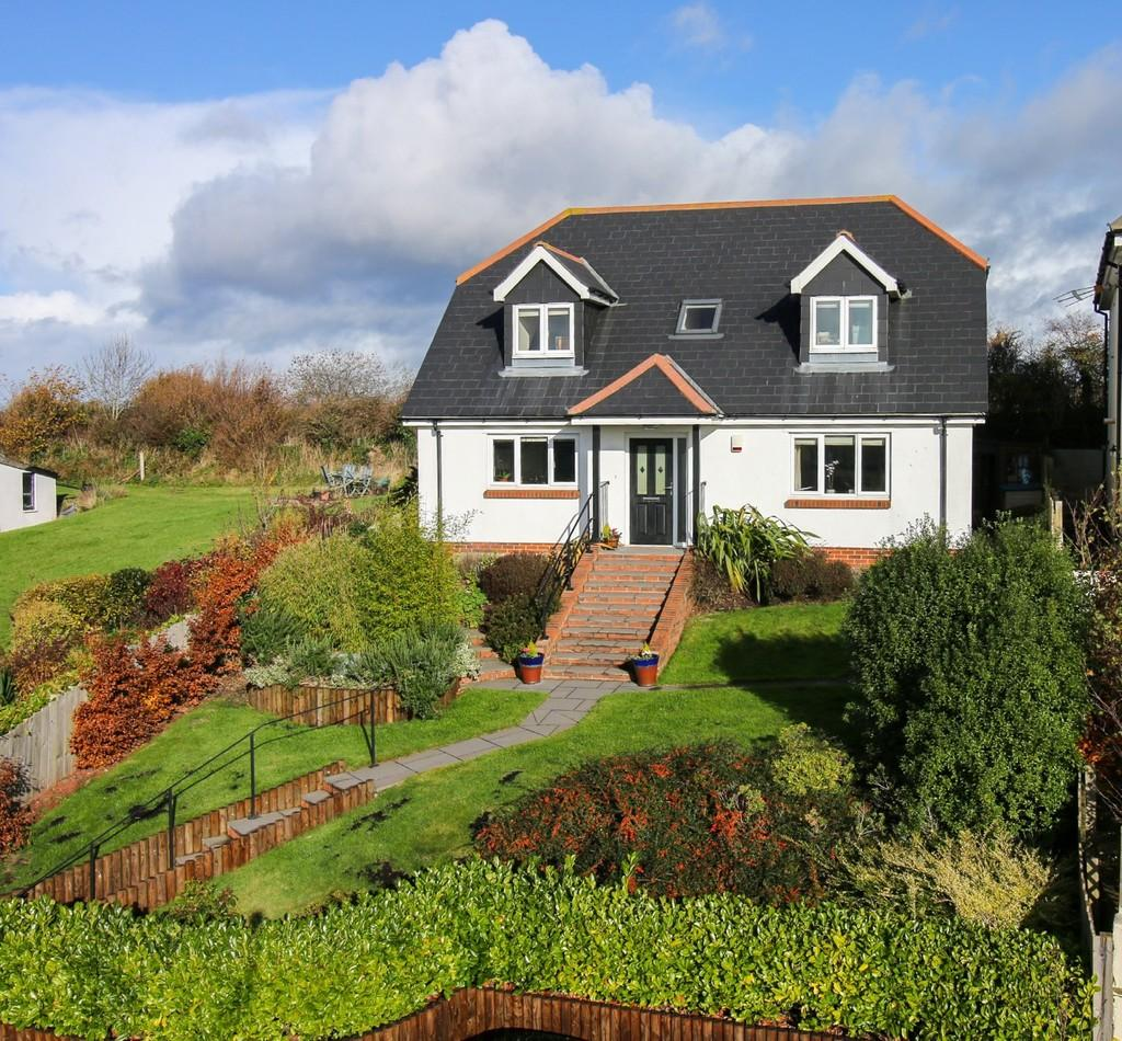 4 Bedrooms Detached House for sale in Fluder Hill, Kingskerswell