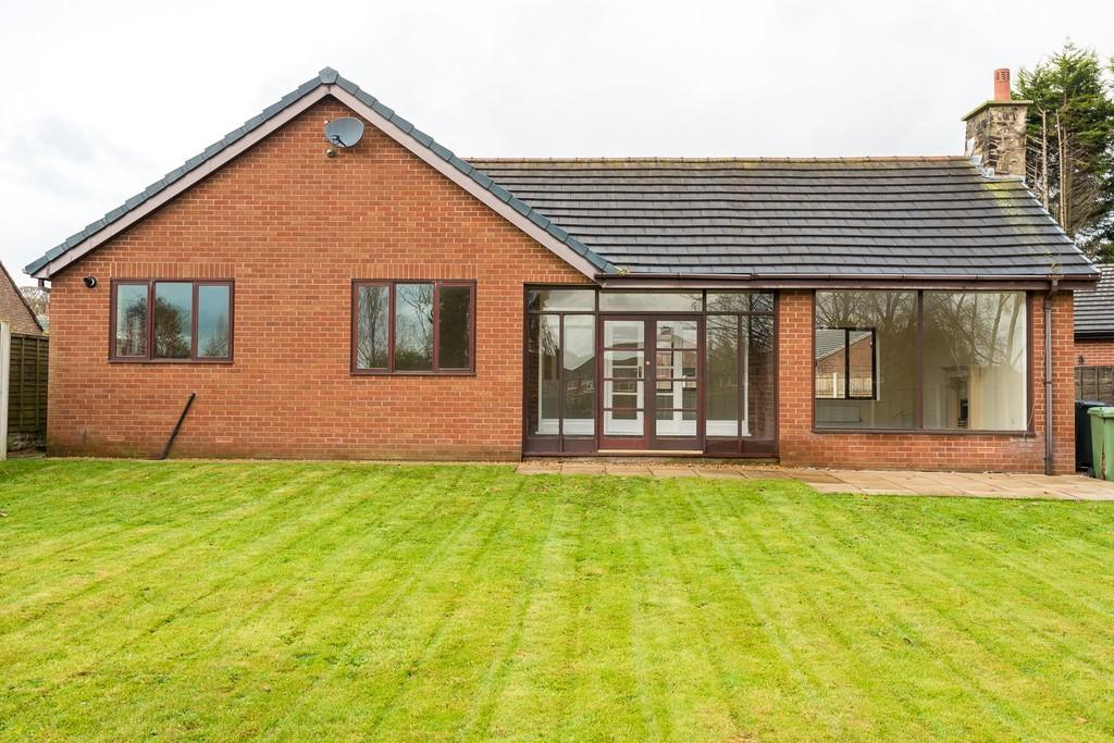 4 Bedrooms Detached Bungalow for sale in Fairholme Avenue, Ashton-in-makerfield, Wigan
