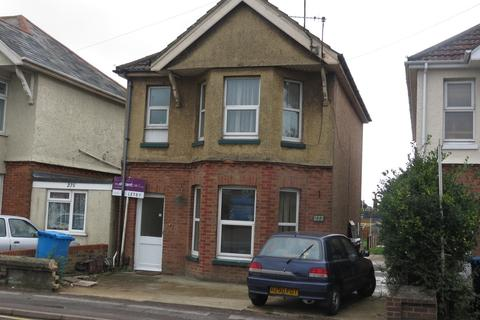 2 bedroom flat to rent - Wallisdown Road, Poole