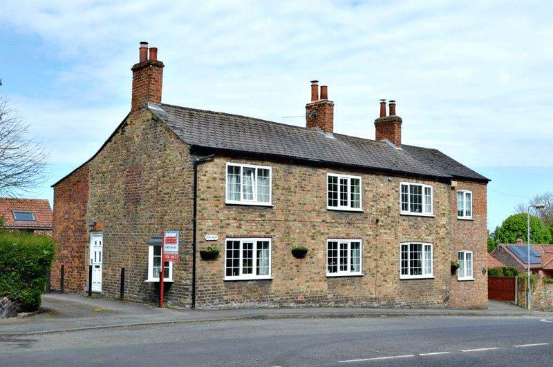 3 Bedrooms Cottage House for sale in High Street, South Ferriby
