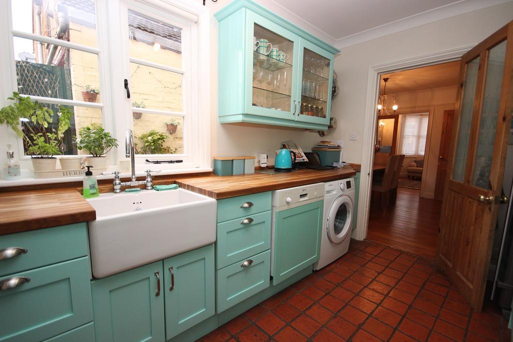 3 Bedrooms Semi Detached House for sale in Arthur Street, Ampthill, Bedfordshire, MK45