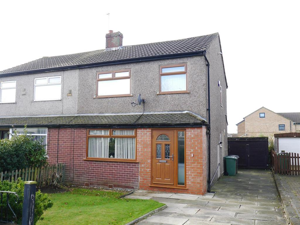 3 Bedrooms Semi Detached House for sale in Tyersal Walk, Tyersal, Bradford, BD4 8ER