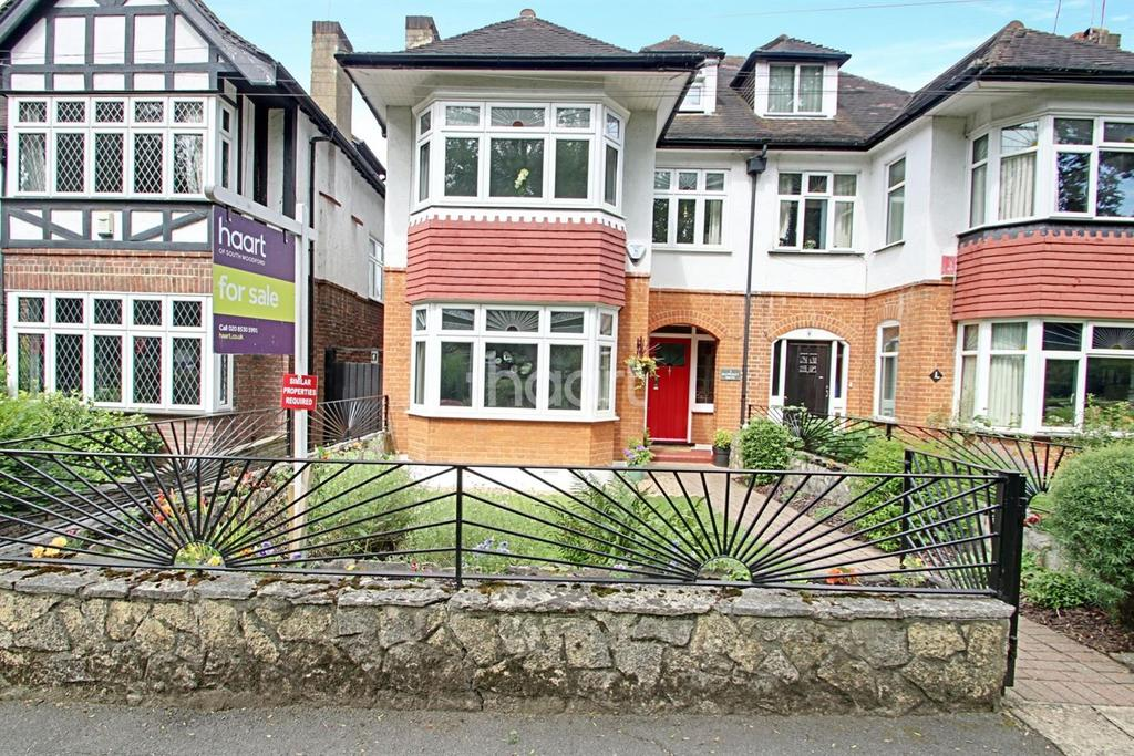 4 Bedrooms Semi Detached House for sale in Mapperley Drive, Woodford Green IG8