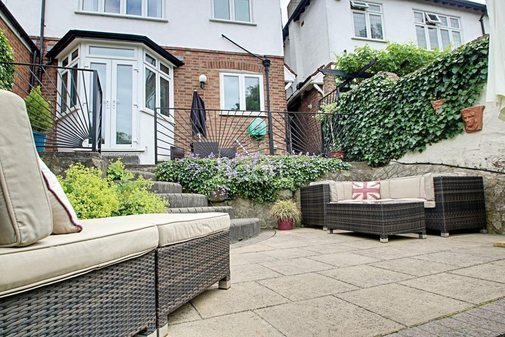 4 Bedrooms Semi Detached House for sale in Mapperley Drive