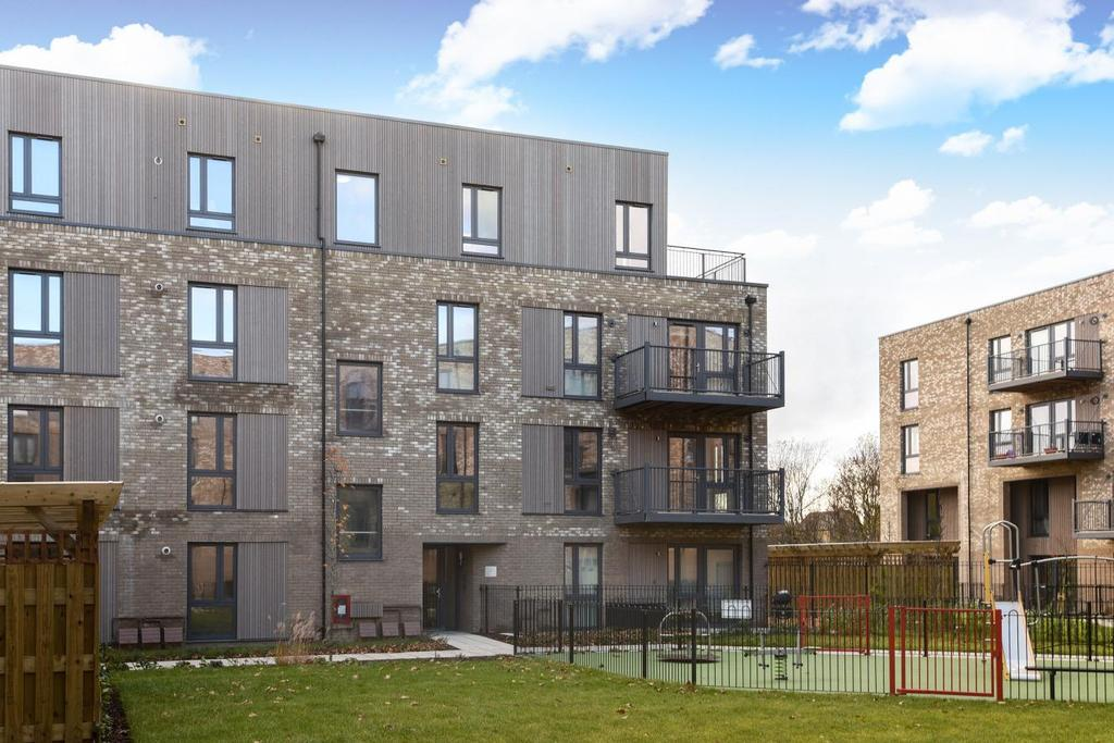 2 Bedrooms Flat for sale in Fisher Close, Rotherhithe