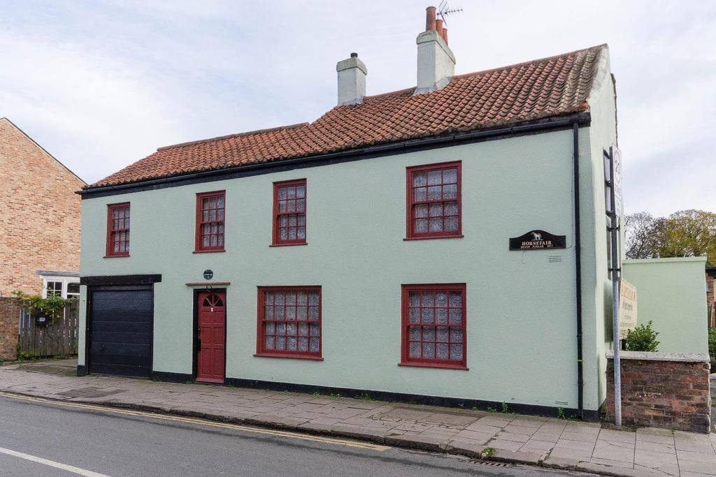 3 Bedrooms Unique Property for sale in Horsefair, Boroughbridge