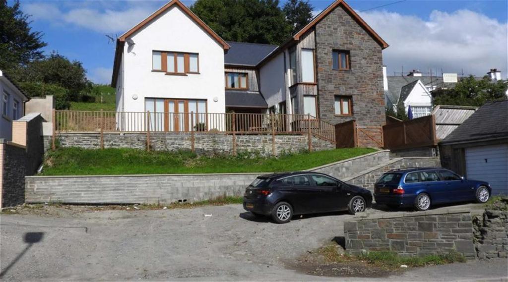 4 Bedrooms Detached House for sale in Manor Hall, Llanbadarn Fawr, Aberystwyth, Ceredigion, SY23