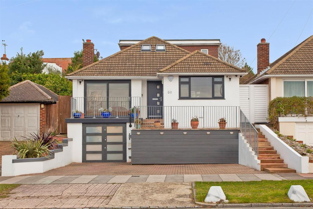 3 Bedrooms Detached Bungalow for sale in Warmdene Road, Patcham, Brighton