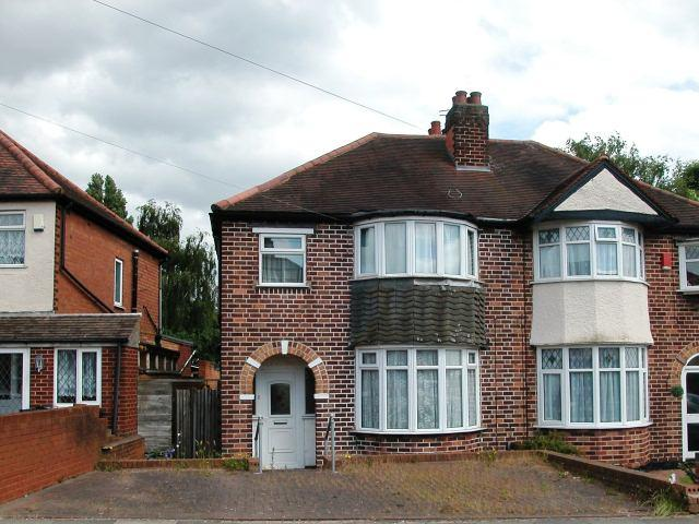 3 Bedrooms Semi Detached House for sale in Stowell Road,Kingstanding,Birmingham