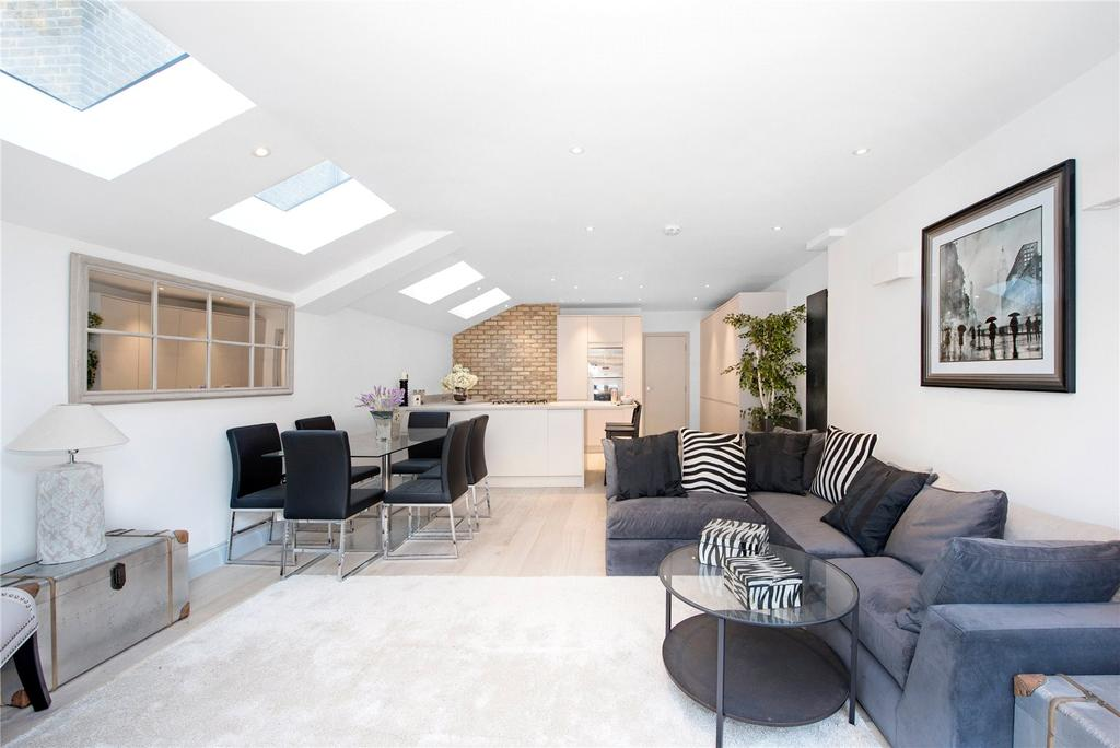 3 Bedrooms Flat for sale in Munster Road, Fulham, London
